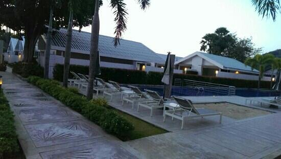 The Palmery Resort And Spa : Pool Area