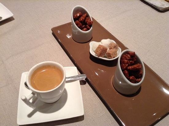 chez eugene: Café