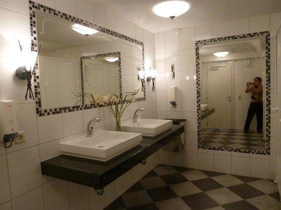 Toilette restaurant photo de hotel rotlechhof berwang