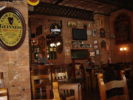 Dunnes Irish Bar Barcelona: Dunnes Irish Bar and Restaurant, Barcelona