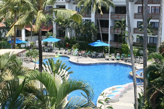 Sanur Paradise Plaza Suites: main pool