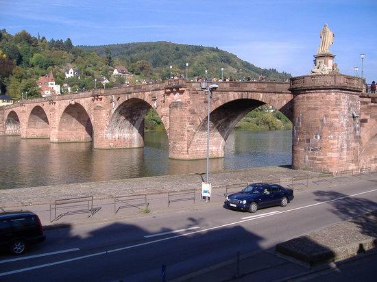 Carl Theodor Old Bridge (Alte Brucke): カールテオドール橋