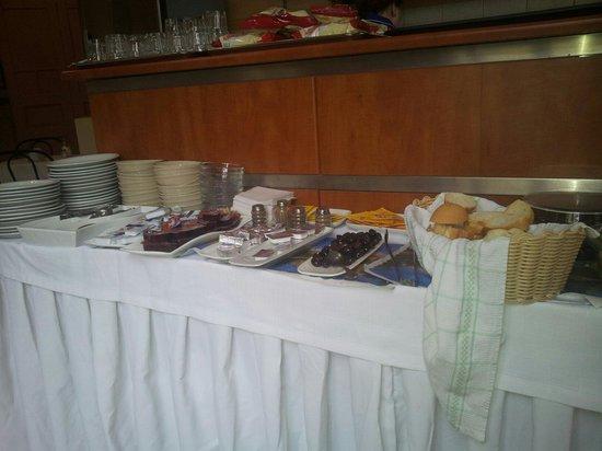 Hotel Nea Metropolis: Breakfast