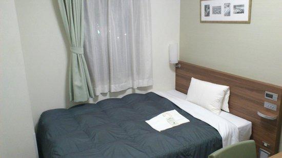 Hotel Econo Tsu Ekimae: ベットは広いです