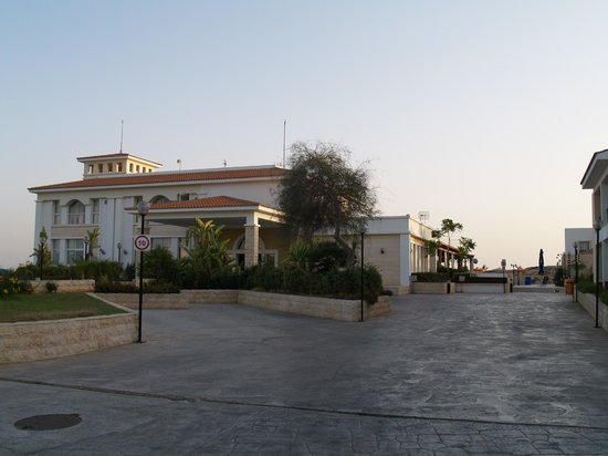 Aktea Beach Village : Main building