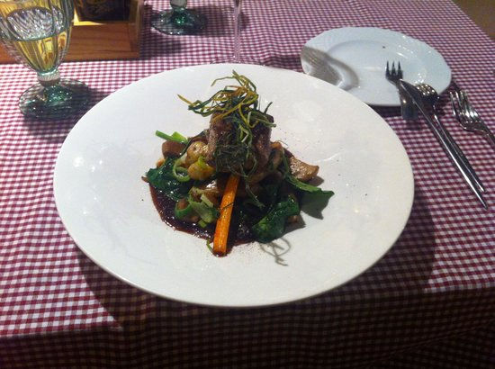 Marché de Provence: Fillet mignon with wild mushrooms and vegetables