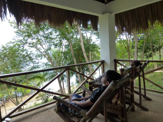 Chindonan Dive Resort : Spacious balcony along with spacious room