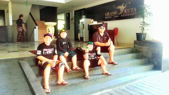 sitting at the grand kuta lobby waiting for our driver :-)