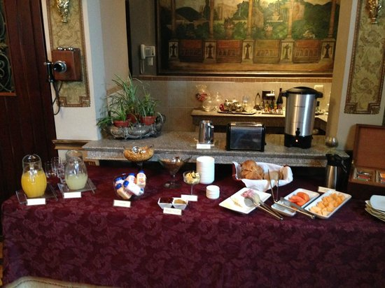 Mansion del Rio : Breakfast, which starts at 7. If you need coffee earlier, like we did, ask the night before.