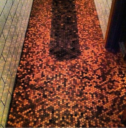 The Rose Public House: Awesome penny floor