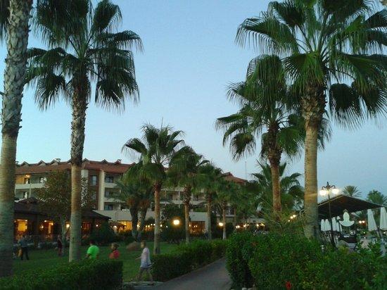 Club Hotel Turan Prince World: По пути на ужин