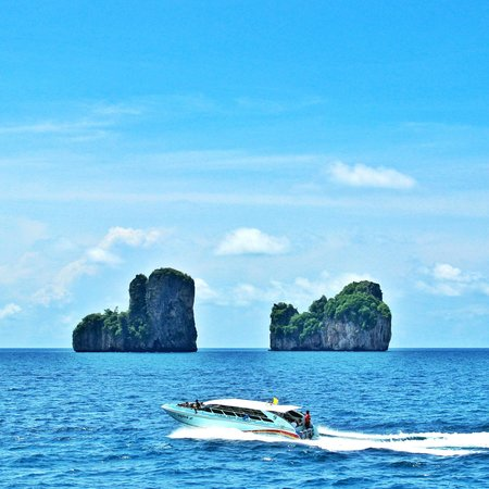 Phi Phi Cruiser: more than 3 hours on boat for each way