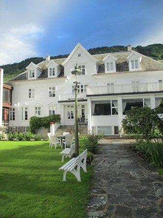 Leikanger Fjord Hotel: Отель