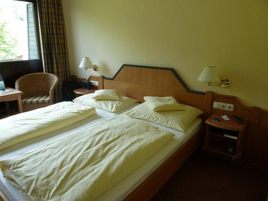 Landhotel Maiergschwendt: bedroom