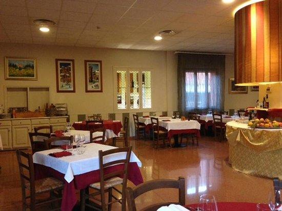Hotel Ristorante Turismo: sala ristorante