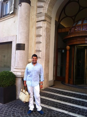 Grand Hotel de la Minerve: Madrugando para ir a San Pedro