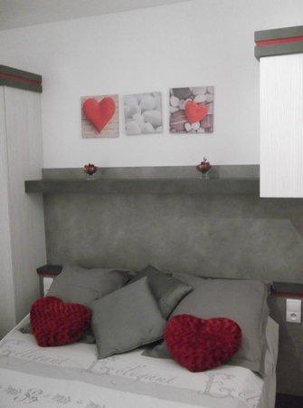 Hotel Le Mediterranee : LA JOLIE CHAMBRE