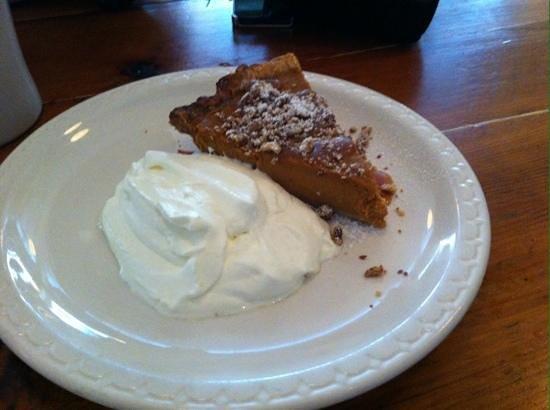 Bubby's : pumpkin & pecan pie