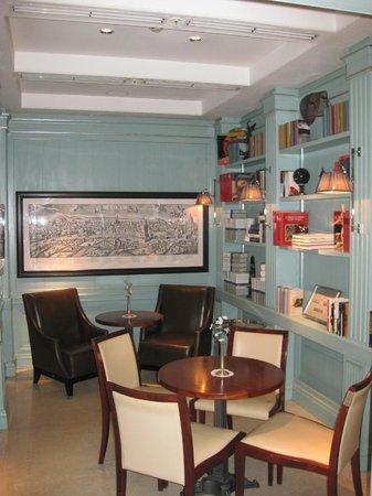 Hotel Stendhal: Sala de desayuno y de lectura