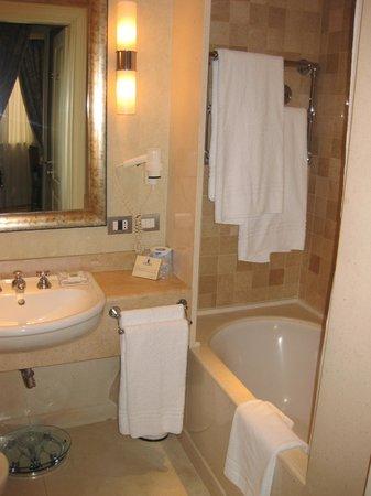 Hotel Stendhal : Baño perfecto