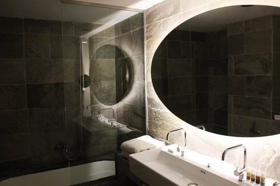 Hotel Neri Relais & Chateaux: Bathroom Room 204