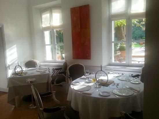 Hostellerie de l'Abbaye de la Celle Restaurant : Un des salons