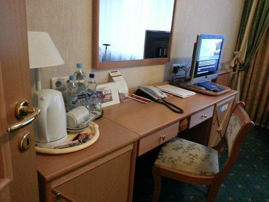 Natsionalny Hotel: Room 303