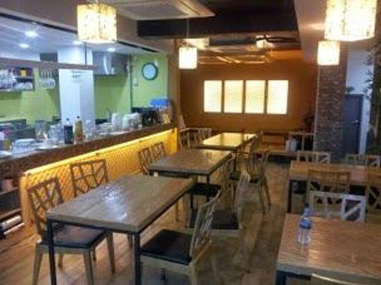 Sieoso Hotel: Vista del restaurant y cocina