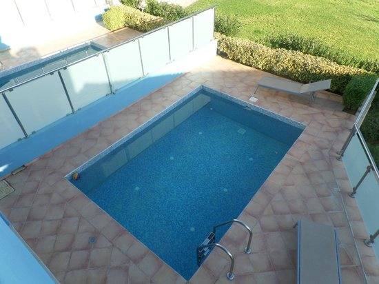 Carme Villas : Private pool