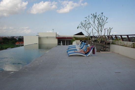 Atanaya Hotel : Zwembad op het dak van het hotel