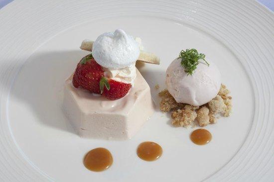 Yalbury Cottage: Strawberry cheesecake