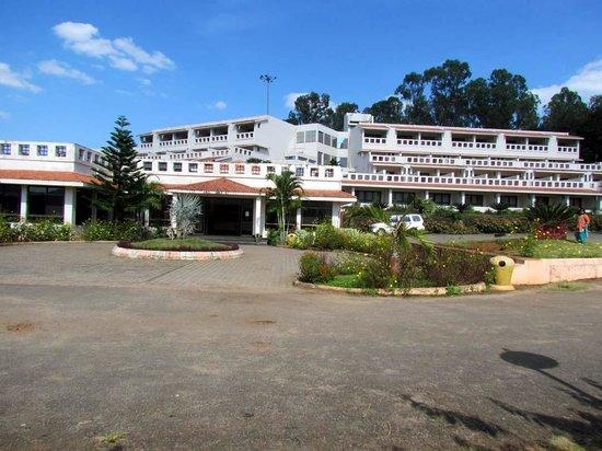 Play area picture of aptdc haritha mayuri resort araku - Araku valley resorts with swimming pool ...