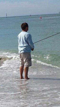 Palm Island Resort: fishing on the beach