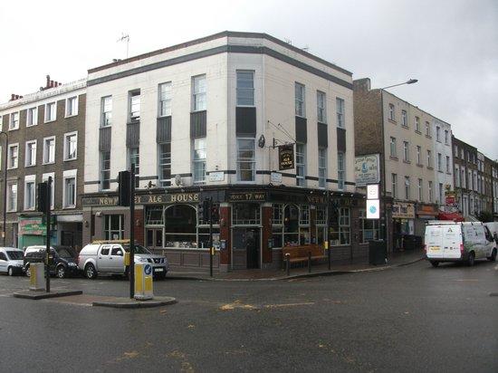 Newmarket Ale House: Outside