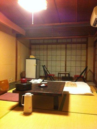 Ryokan Fukuzen: 純和室といった部屋です