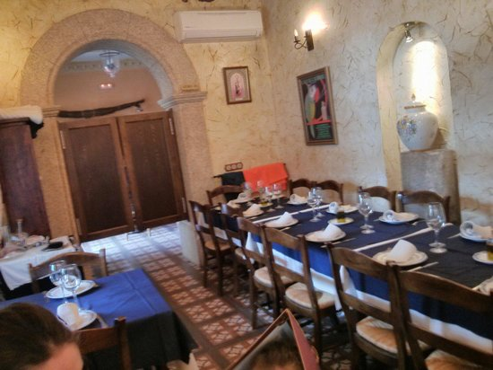Restaurante La Botica: Salón pequeñito pero acogedor max 28