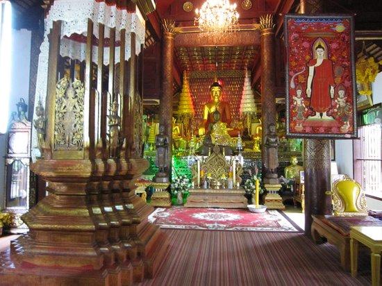 Wat Gate Khar Rnam: 5-'13.9仏像