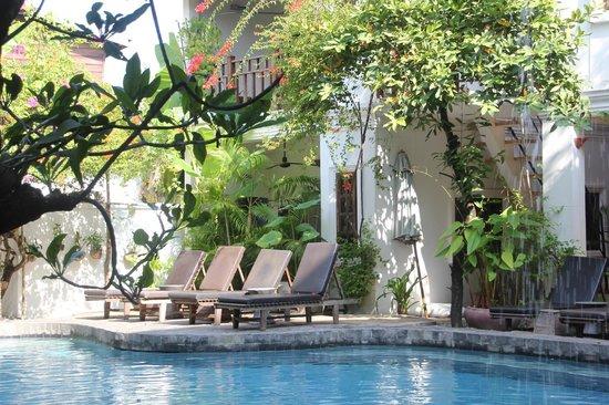 Rambutan Resort - Siem Reap: Pool side at the resort