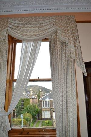 Bellevue Guest House: stanza
