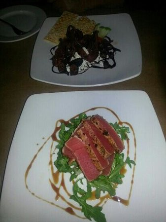 CityVu Bistro : Duck prosciutto and tuna app. surprisingly good!