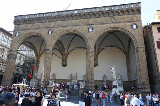 Museo di Palazzo Vecchio: Museo al aire libre, para el pueblo y todavia