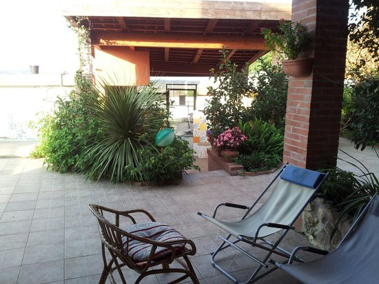 Agriturismo Consoli Crispino : patio