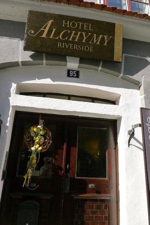 Hotel Riverside : Front entrance