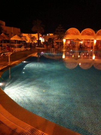 Isis Hotel and Spa : Isis la nuit