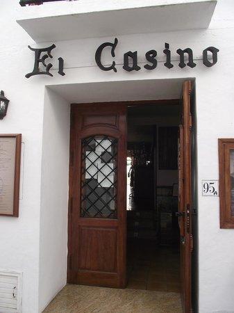 El Casino: entrada