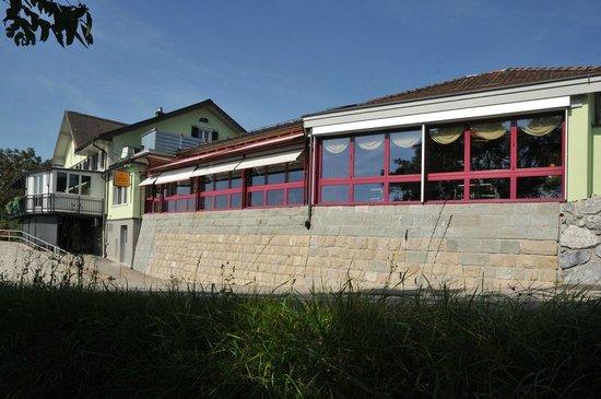 Hotel Restaurant Frohe Aussicht, herrliche Sicht ins Linthgebiet