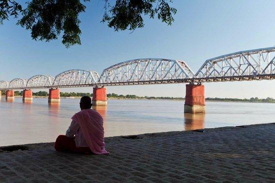 YMCA Yangon: Old Sagaing bridge Mandalay