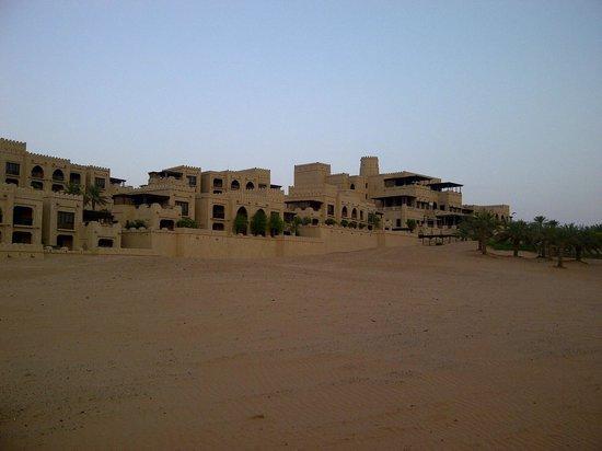 Qasr Al Sarab Desert Resort by Anantara: Hotel