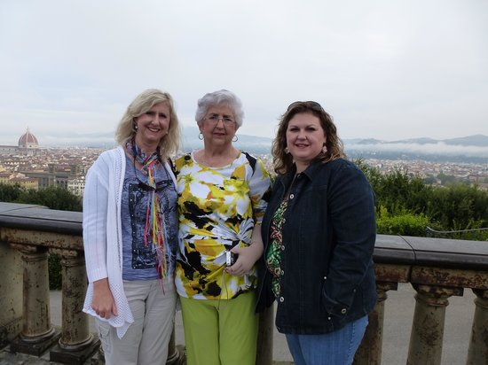 Tuscan Tour Guide - Tours: Piazzale Michelango:  great view of Florence