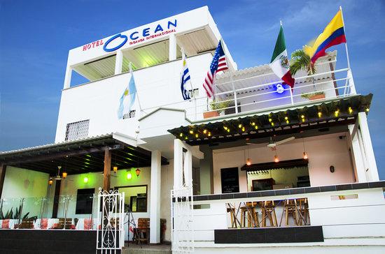 Hotel Ocean Taganga Internacional: Fachada Hotel Ocean y restaurante